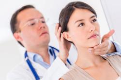 Обращение к доктору с болями в шейном отделе