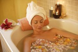 Польза горячей ванный при почечной колике