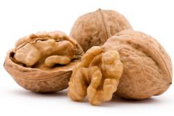 Польза грецких орехов для лечения узлов щитовидной железы