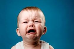 Плач - причина приступа коклюша