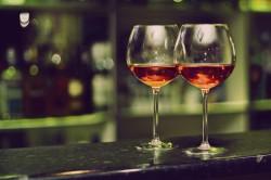 Прием алкоголя - причина женского храпа