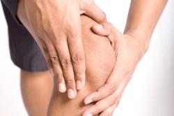 Скованность в суставах - симптом артрита