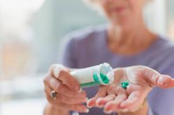 Прием кортикостероидов для лечения полиартрита