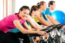 Тяжелые физические перегрузки - причина недержания мочи у женщин