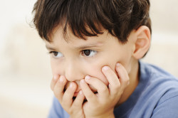 Тошнота - симптом наличия глистов у детей