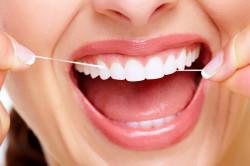 Зубная нить для чистки зубов